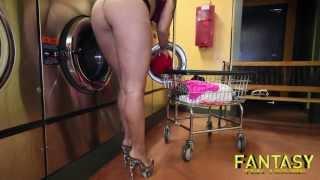 Mat laundry Naked at