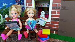 КАНИКУЛЫ! Странная СОБАКА и ДОМАШНЕЕ ЗАДАНИЕ. Игры в куклы Барби для девочек