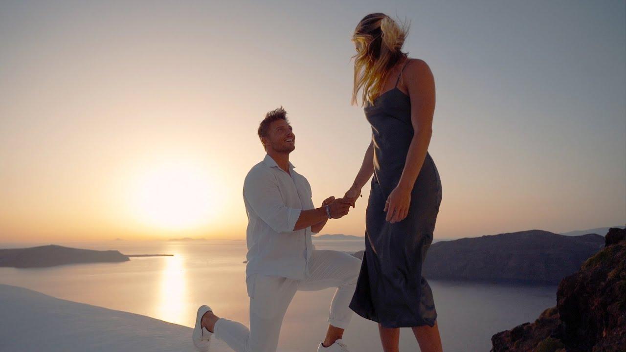 Surprise Proposal 💍🤞 - Santorini, Greece 🇬🇷
