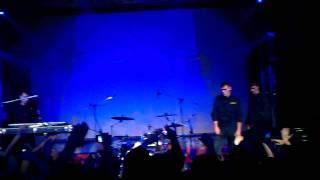 Noize MC прыгает в толпу :D | Port2all #dnepr(, 2011-10-15T11:58:00.000Z)