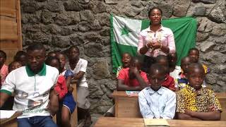 Doriane Mukasa speak Esperanto with SBV's children