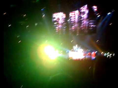 MUSE- Hysteria (Live at the United Center)