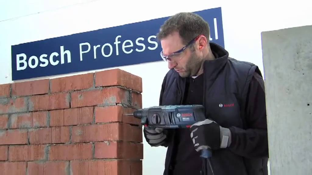 bosch gbh 2 20 d professional rotary hammer with sds plus youtube. Black Bedroom Furniture Sets. Home Design Ideas