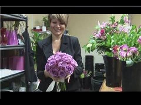 bridal-bouquet-ideas-:-how-to-make-a-single-rose-bouquet