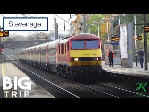 Trains at Stevenage, ECML - 6/11/18