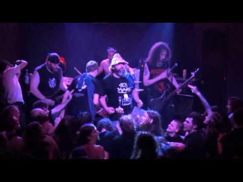 Brutal Truth - Live in Dusche 20.04.2013