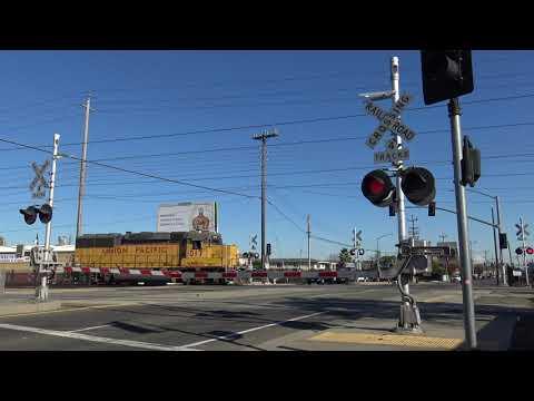 UP 1017 LRS94 Oakdale Local Light Power, Fruitridge Rd. Railroad Crossing, Sacramento CA