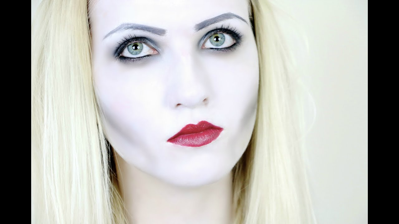 Easy Vampire Halloween Makeup Tutorial - YouTube