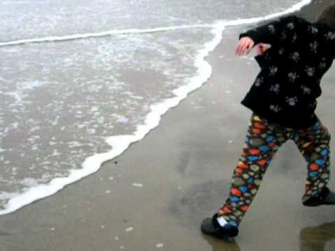 Running away from the waves in Manzanita,OR