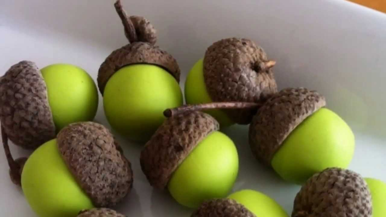Awesome acorn decorations acorn home deco ideas youtube for Acorn decoration
