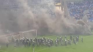 20.05.2018 Lech Poznan vs Legia Warschau, Ausschreitungen Spielabbruch, game crash, Rauchbomben