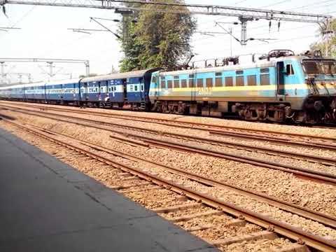 14038⇒22430/Pathankot - Delhi Superfast Express at Rajpurajn: