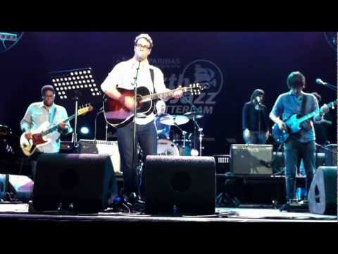 Amos Lee - Ain't No More Cane (The Band cover) - North Sea Jazz 2012