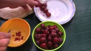Десерт с черешней на гриле. | Dessert with cherry on the grill.