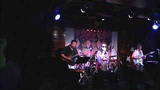 29年10月9日 九州西鉄久留米駅前「ファンキードッグ」にてライブ収録。