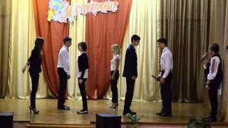 Вчитель української літератури замінює урок фізкультури