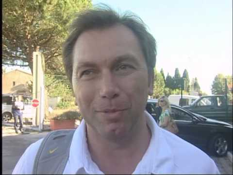 Johan Bruyneel comments on Armstrong and Contador - Mont Ventoux + TdF recap 2009