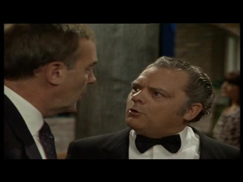A Bit of a Do S02E03 The Grand Opening of Sillitoes