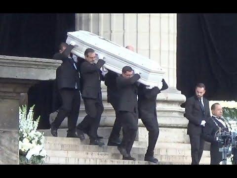 Sylvie Vartan, Eddy Mitchell, Jean Dujardin etc. aux obsèques de Johnny Hallyday le 9 décembre 2017