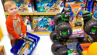 Дэни и Папа покупают новые игрушки для детей и веселятся в магазине детских игрушек