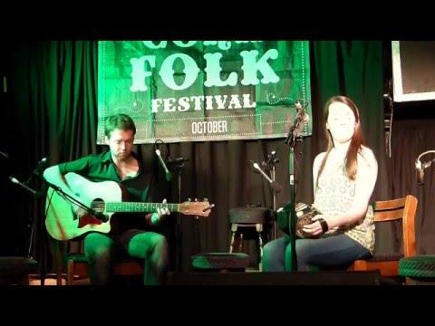 Clíona Ní Ailche & Caoimhín O Fearghail - An Spailpin Fanach , Cork Folk Festival, Ireland. 04.10.15