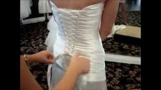 Как правильно зашнуровать свадебное платье на корсете?