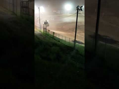 DWB Anthony White with dirty move at Wartburg Speedway