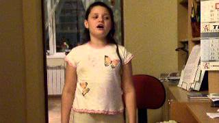 Алина поет песни из фильма