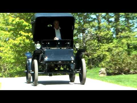 1901 Baker Electric Car - at 25 mph