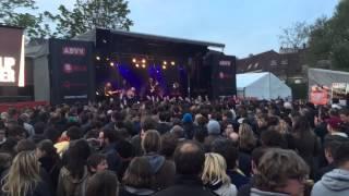 Flip Kowlier - Min Moaten ( LIVE @ 1mei-festival Kortrijk)