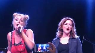 "Lauren Alaina sings ""This One's For the Girls"" with Martina McBride at 90s Country Night"