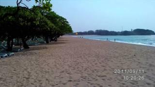 朝のバリ島ビーチ・・とにかく綺麗で最高やな・・