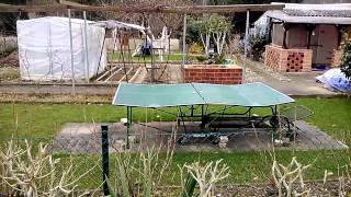 Испорченный теннисный стол(Испорченный теннисный стол. The spoiled tennis table. La mesa estropeada tenística. Der beschädigte Tennistisch. A mesa de tênis estragada. La table ..., 2015-03-28T09:11:50.000Z)