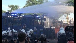 """[""""Welcome to Hell"""" Demo] Schwere Krawalle mit Wasserwerfereinsatz G20 Hamburg"""