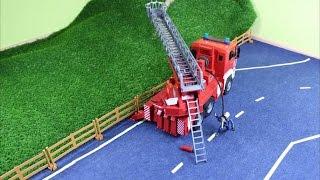 Der Feuerwehreinsatz mit dem Bruder Feuerwehrauto (Fire-fighting with a Bruder fire truck)
