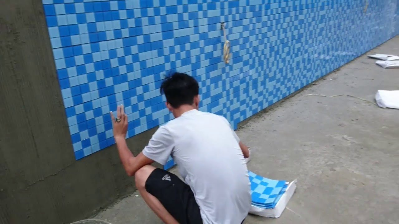 How to install a glass mosaic tile for swimming pools