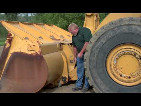 Cat® Wheel Loader | Linkage & Pins | Lubrication Tips