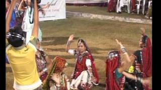 Gujarati Garba Song Navratri Song Live 2011 - Lions Club Kalol - Jignesh Kaviraj - Day -3 Part - 16