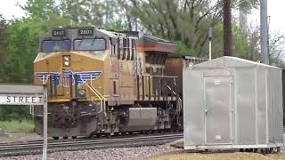 UP Fifth St Clinton, IA Seven trains Three manifest with great Lashups May 19, 2019
