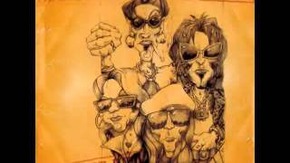 Motley Crue - Smokin in the Boys Room (with lyrics)