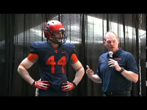 uk availability 7fe01 6563e Coach Scott Shafer Unveils New Uniforms - Syracuse Football