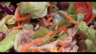 How to make Salad Recipe Tomatoes Tuna Red Onions Origano Black Olives