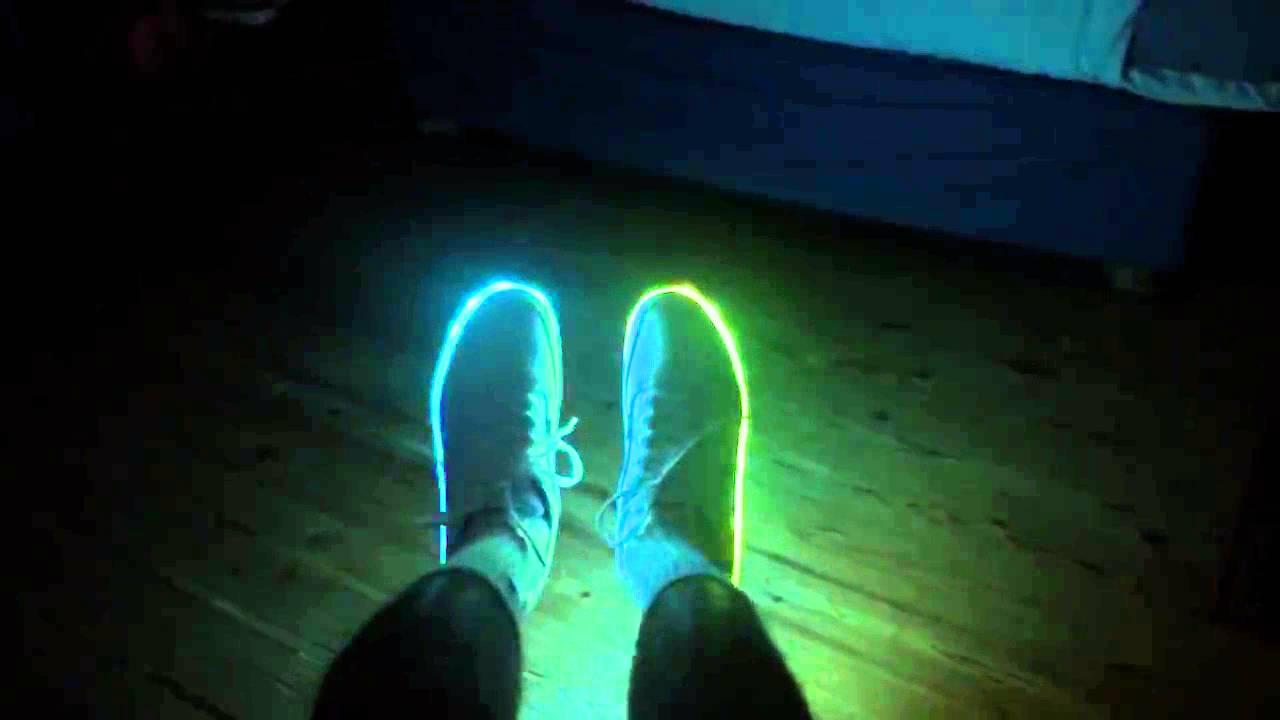 Купить светящиеся кроссовки, продажа светящихся кроссовок ledsneakers с led подсветкой с доставкой по москве, купить кроссовки с подсветкой, кроссовки со светящейся подошвой.