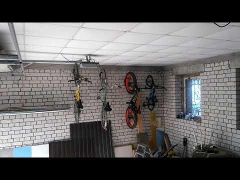 Крепление велосипеда на стену.)))