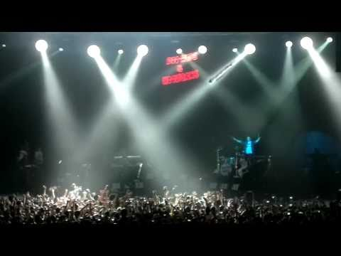 Bruno Mars Live in Kuala Lumpur Malaysia (KL Concert Opening Song) - The Other Side