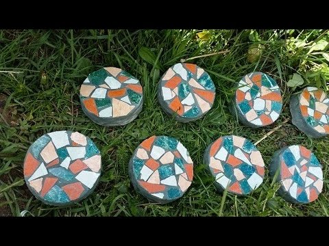 diy-mosaic-stepping-stone