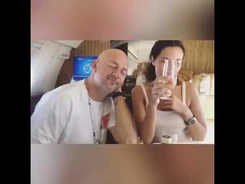 Потап и Настя Каменских летят в свадебное путешествие))