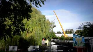Installation of a recycled plastic bridge in Rickmansworth