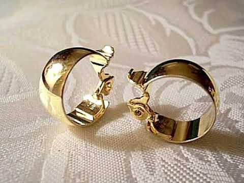 Copy Of Monet Wedding Band Hoop Clip On Vintage Gold Tone Earrings