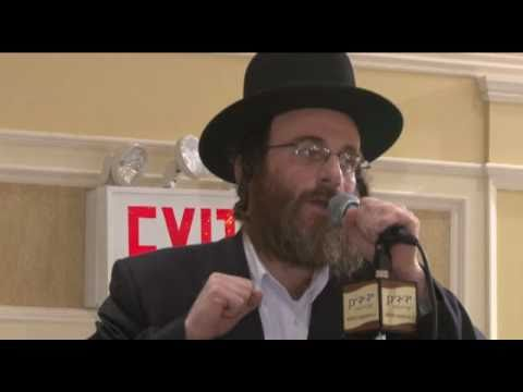 "Isaac Honig with Yedidim Choir ""Moshe V'Aharon"""